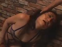 【無修正】熟女がセクシー下着で無理矢理フェライラマチオでごっくん口射!mature cougar has her face skull fucked xvideos