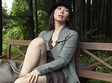 [ヘンリー塚本]山で土木作業の若者を目で誘いファ●クする四十路痴女! 翔田千里