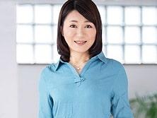 【初撮り熟女】男所帯の中で暮らす48歳主婦がオンナを取り戻すためAV出演! 花山美紀