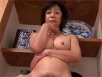 【無修正】六十路の巨乳素人熟女がカメラにドアップ電マオナで絶頂!asian mature woman get fuck she seems like it xvideos