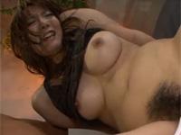 【無修正】派手め熟女と巨根男が電マ69から丸見えセックス!slut mother fuck deepthroats one-eyed monster and balls xvideos