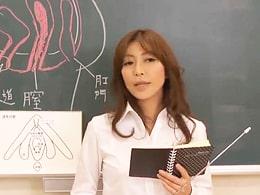 美熟女先生がガチ保健体育授業!「快感」について解説しちゃいます! 瞳リョウ