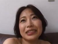 黒乳首の可愛い四十路熟女が汗だく中出しセックスからお掃除フェラも初体験!