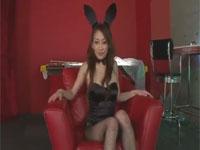 【無修正】セクシーバニー熟女の網タイツ破ってドアップオマ○コに突撃! stunning and glamorous babe in lingerie xvideos