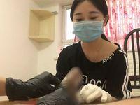 【無修正】ラバーフェチのM男がゴム手袋をした痴女に事務的に手コキしてもらう個人撮影動画