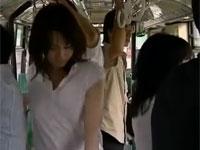 【ヘンリー塚本】痴熟女は痴漢されるためノーパンでバスに乗り男を誘う