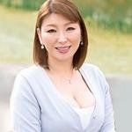 【初撮り熟女】モデル経験アリの絶品くびれボディ四十路妻がAVデビュー! 安堂早絵