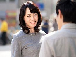 【熟女ナンパ】イケメン男子がむっちゃキレイな五十路美魔女をナンパ即ハメ撮り!
