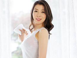 【初撮り熟女】スレンダー巨乳の清楚な四十路美熟妻の初撮りドキュメント 黒崎真純