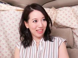 【人妻ナンパ】美白でキレイな三十路奥様をナンパしてワゴン車の中でガン突きイカセ!