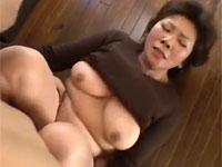 【無修正】お願いだ母さんやらせてくれよ!五十路熟母と息子がセックス!japanese  fucked her  uncensored xvideos