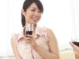 【NTR】自慢の嫁が見知らぬ男のイチモツを美味しそうにしゃぶっていた!