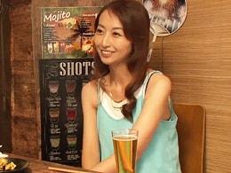 「おばさんを酔わせてどうするつもり?」相席居酒屋でスレンダー美熟妻をGET!