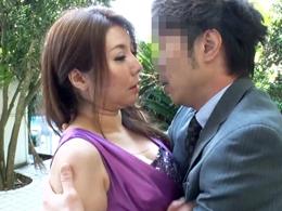 夫の部下に口唇を奪われ、女を取り戻し背徳交尾の有閑夫人 園崎美弥