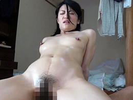 元教え子に呼び出されアパートの一室でハメ撮りする四十路の女教師 古川祥子