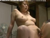 【ヘンリー塚本】巨乳の社長夫人熟女は欲求不満 家の塗装工事屋を裸で誘いクンニさせる