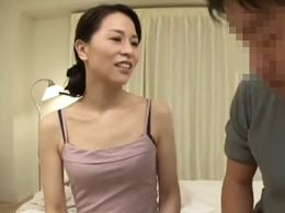 おふくろの親友のキレイな四十路のおばさんと一夜限りのシークレット・セックス 井上綾子
