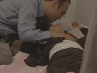 【ヘンリー塚本】昭和のサラリーマンが泥酔した同僚OLと不同意のセックス!