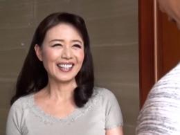 優しい笑顔の四十路母は虎視眈々と娘のカレシを狙ってる! 三浦恵理子