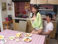 二階堂ゆり 美熟女近親相姦チャレンジ!ご主人にバレずに息子さんとセックスしたら十万円あげます!