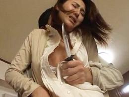 団地の隣人に狙われ、犯される美熟妻! 原ちとせ