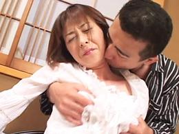 恭子44歳 熟れた四十路女がおっさんとの絡みでイキまくる!