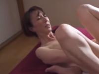 澤村レイコ 美熟女はパートで始めたオイルエステの客と激しい性奉仕不倫関係に陥る