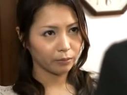 【ヘンリー塚本】男版デリヘルを自宅に呼んでハメまくる欲求不満妻