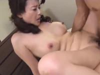 三浦恵理子 夫が出かけ3秒で美熟女が息子と近親相姦セックス中出しお掃除フェラ!