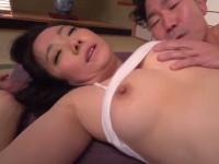 【無修正】黒髪和風な四十路熟女とセックス喘ぎ声がかわいい!和泉紫乃  Sensual Shino Izumi uses moth and pussy during sexy porn xvideos