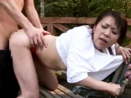 ママさんバレーの合宿先で不倫相手とセックスする人妻