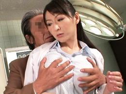 四十路美熟女の巨乳研修医が痴女に目覚め生中出しセックス! 大橋ひとみ