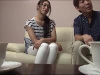 小早川怜子 眼鏡美熟女妻との営みを知り合いに撮らせる異常性癖旦那!