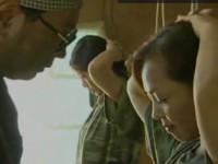 【ヘンリー塚本】戦場の悲劇 熟女兵士が敵の兵に捕まり激しく輪姦される