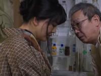 【ヘンリー塚本】昭和の田舎 息子とヤッて妊娠した熟母は医師への堕胎費用を体で支払う