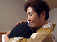 【無修正】七十路の和服おばあちゃんと丸見えセックス!